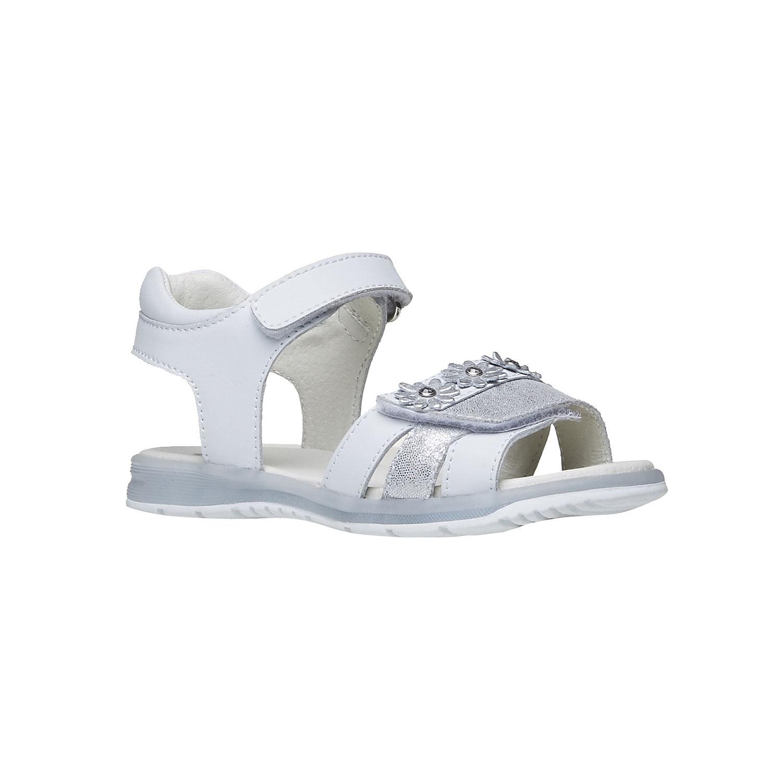 Bílé kožené sandály