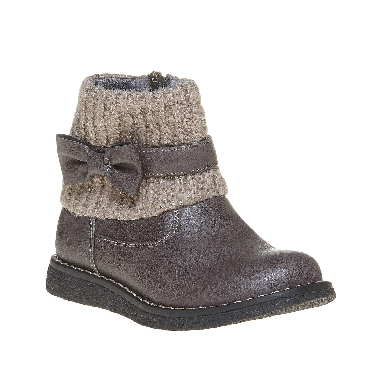 Dětská obuv s pleteným lemem