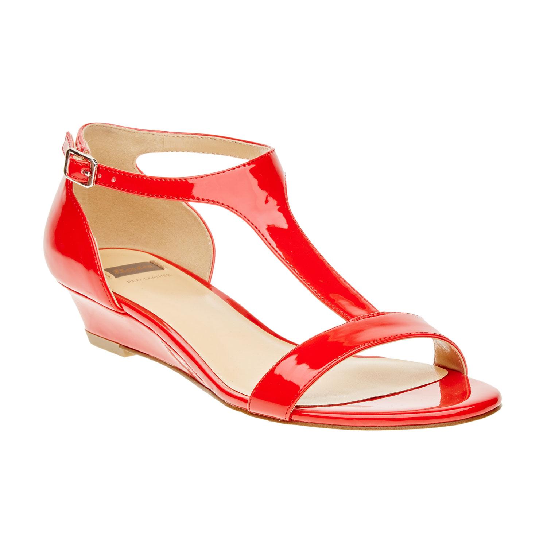 Czerwone damskie sandały z paskiem na podbiciu - 5615407