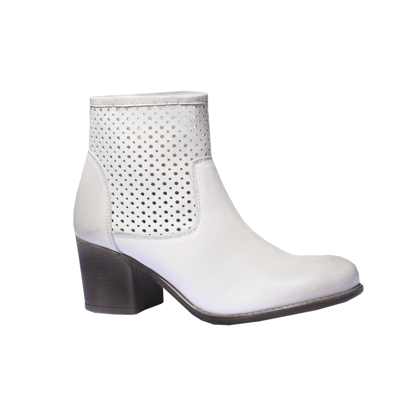 Jarní obuv s jemnou perforací