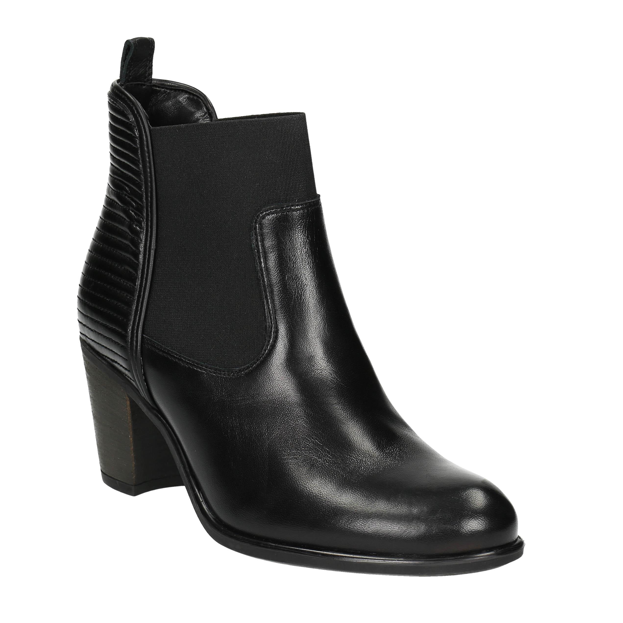 Dámská kotníčková obuv s prošíváním