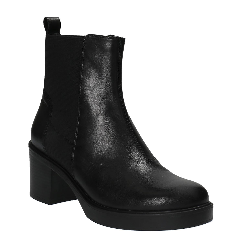 Kožená kotníčková obuv na masivním podpatku