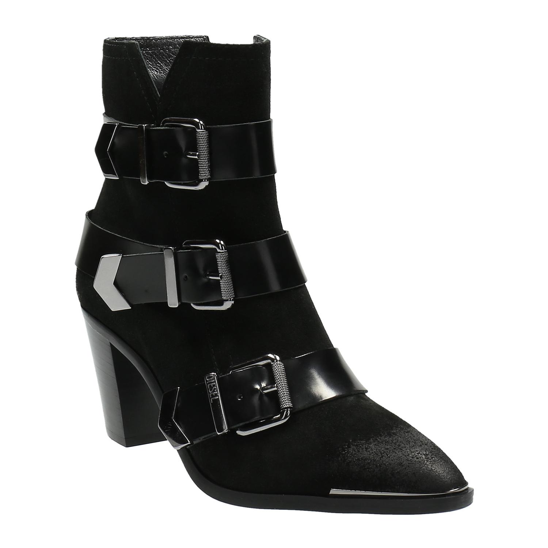 Kožená kotníčková obuv s přezkami