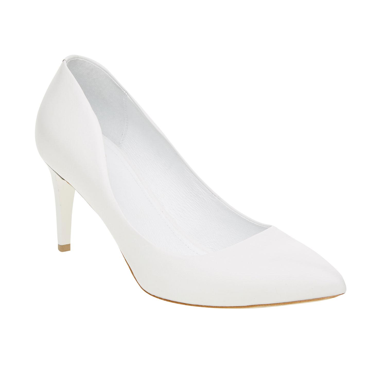 Białe skórzane czółenka - 7241400