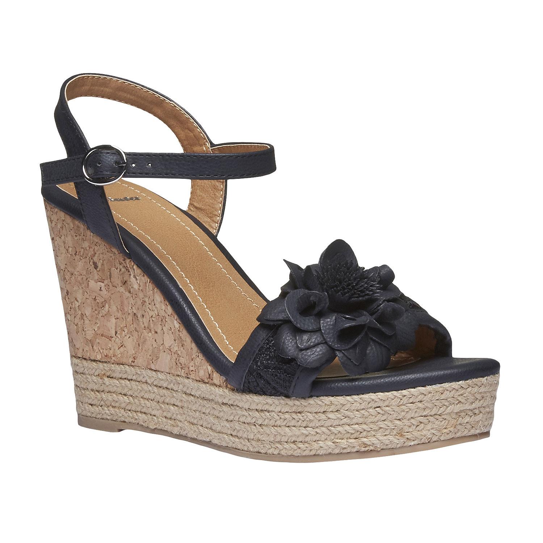 Sandály na platformě s kytičkou