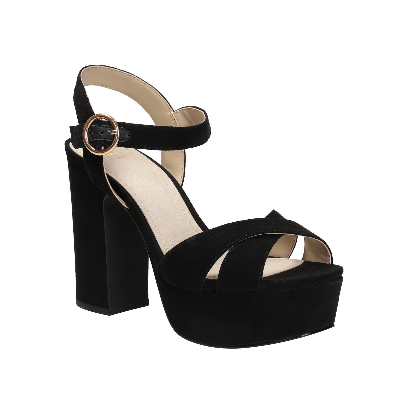 Sandály na platformě