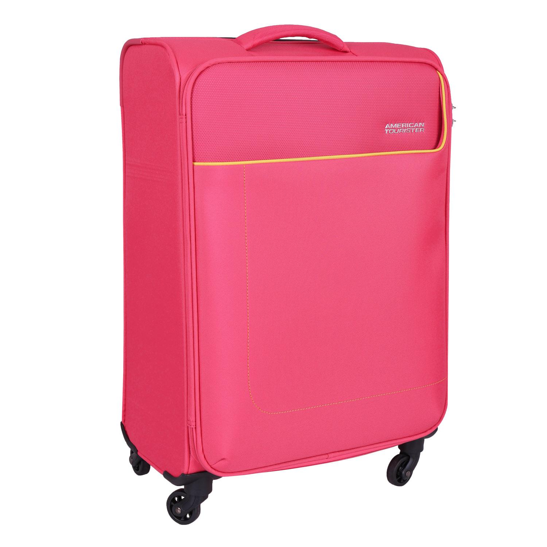 Růžový kufr na kolečkách