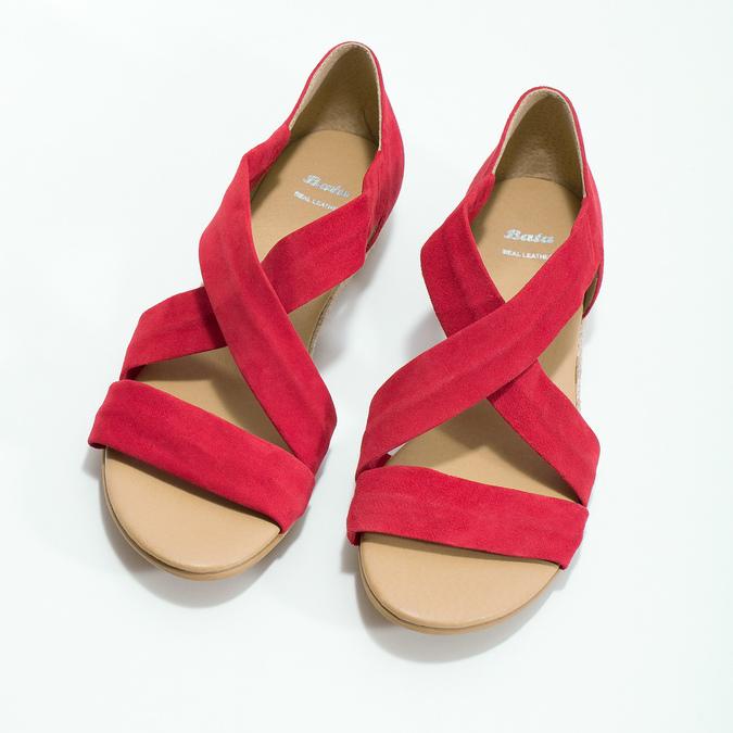 Červené kožené sandály na klínku bata, červená, 563-5600 - 16