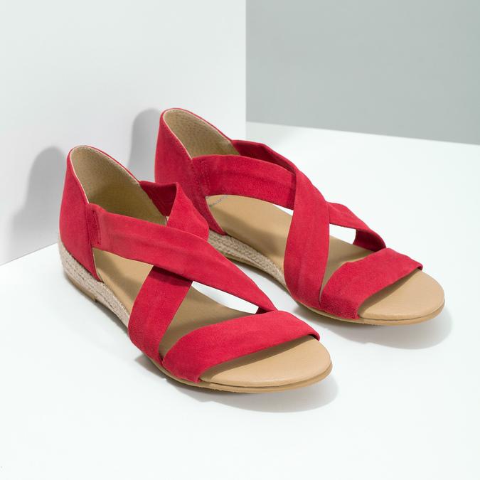 Červené kožené sandály na klínku bata, červená, 563-5600 - 26