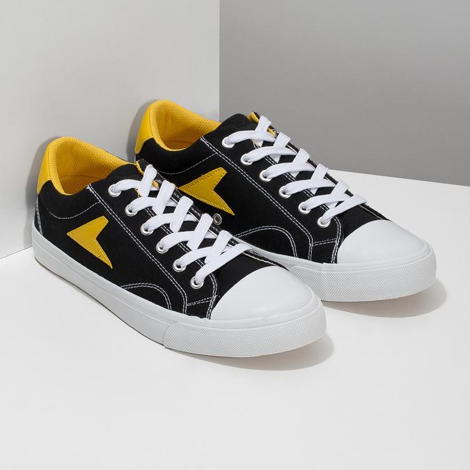 Černé tenisky se žlutými detaily bata-hotshot, černá, 889-8245 - 26