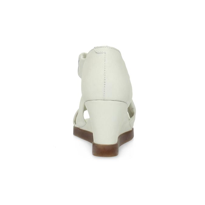 Bílé kožené sandály na klínku s pružením flexible, bílá, 666-1618 - 15