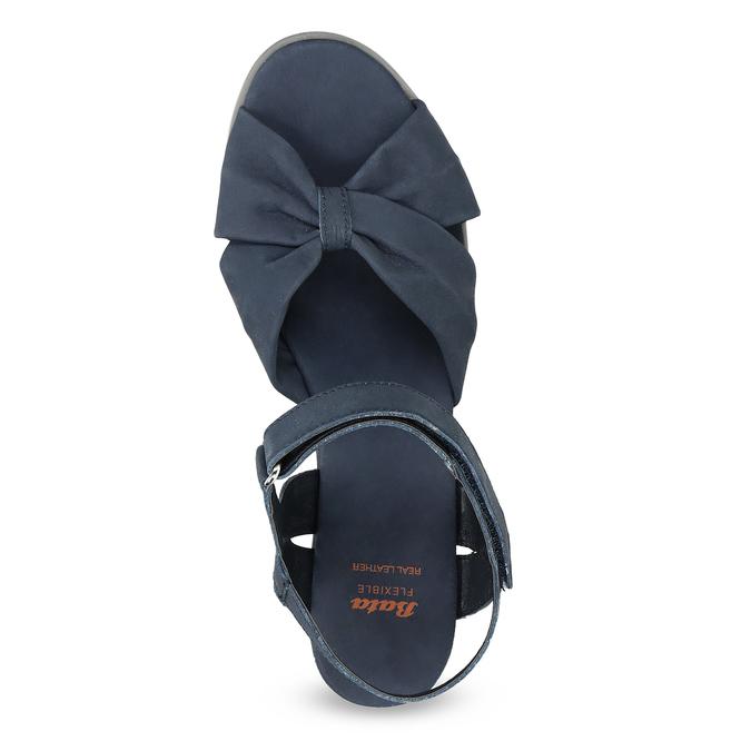 Modré kožené sandály na klínku flexible, modrá, 666-9617 - 17