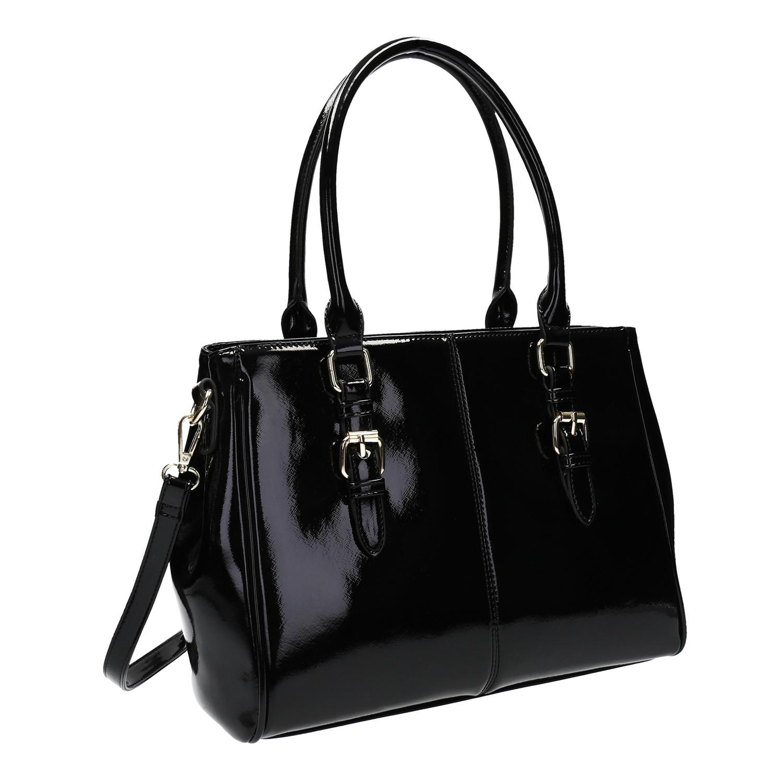 Černá kabelka v lakované úpravě
