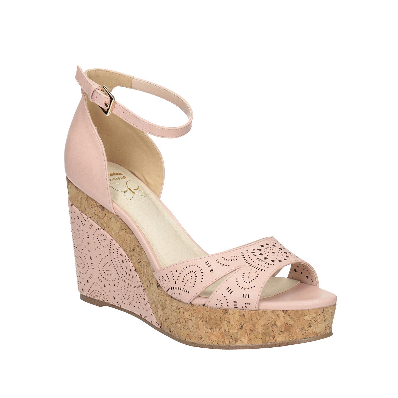 Růžové sandály na platformě