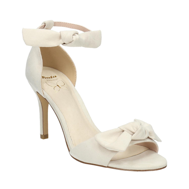 Sandały damskie zkokardami - 7691614