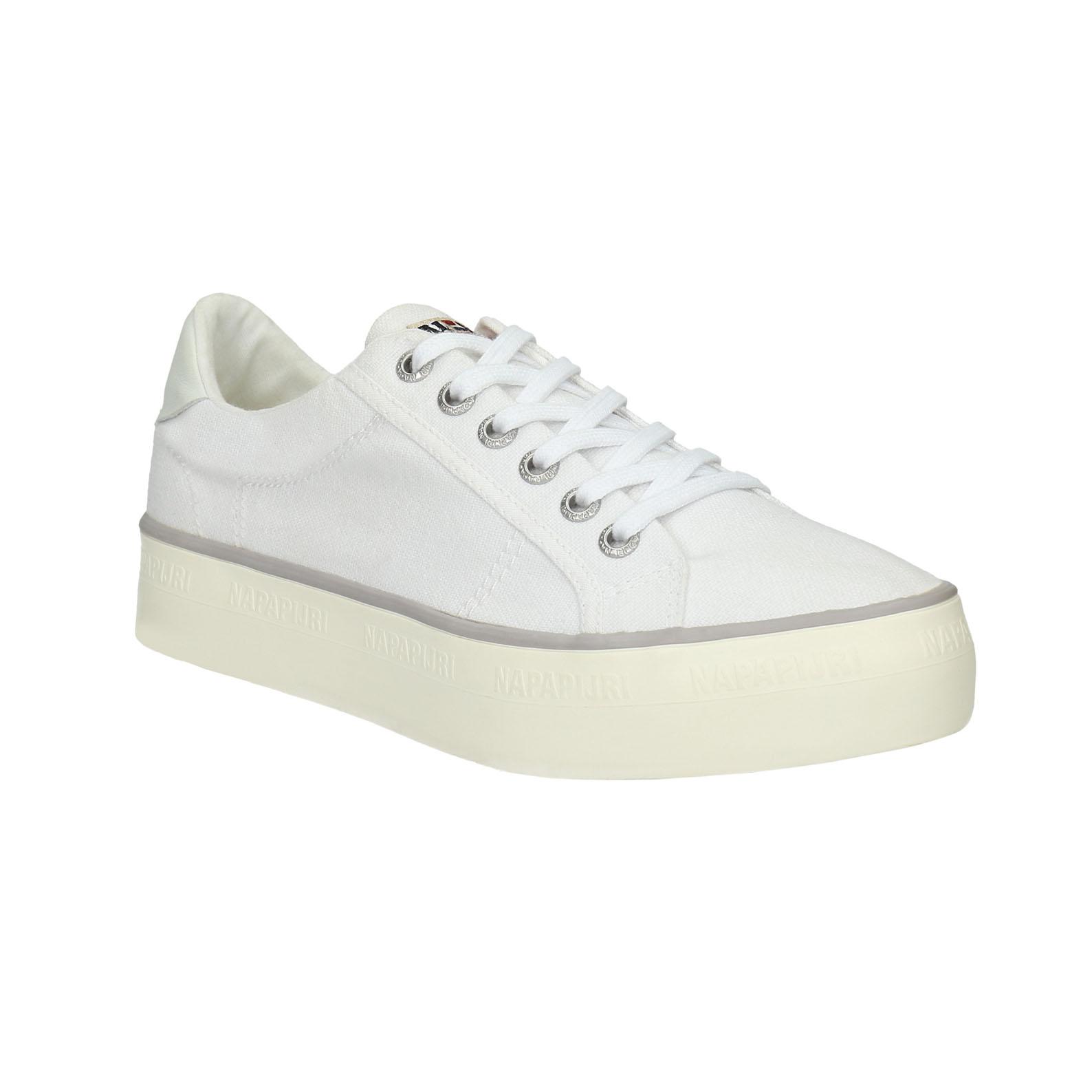 Bílé tenisky na Flatformě
