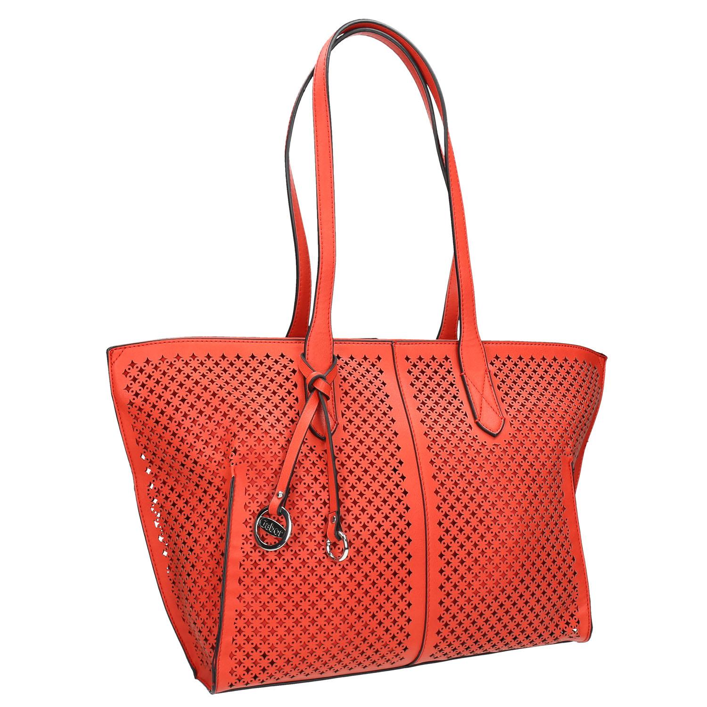 Červená kabelka s perforací