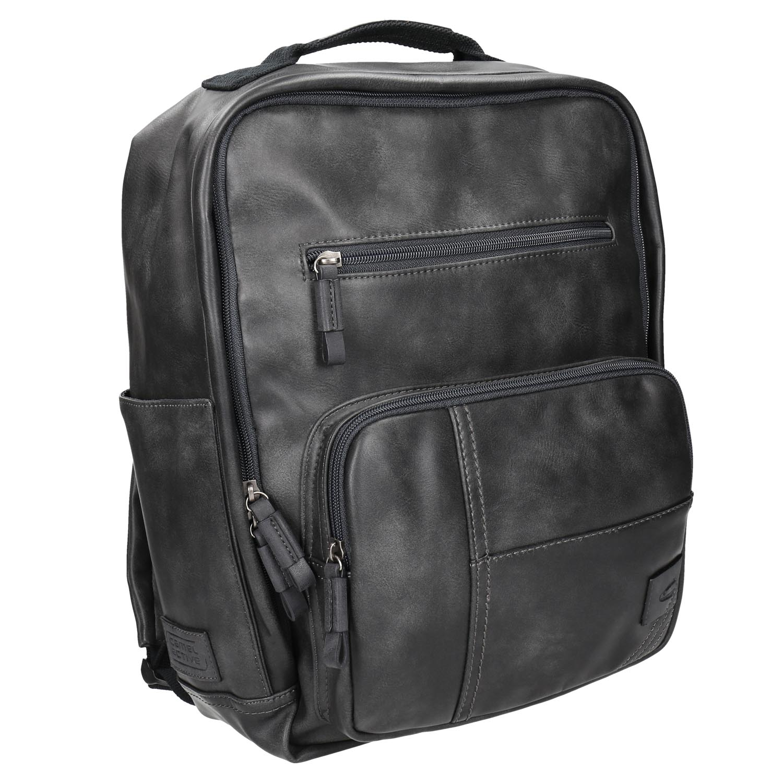 Černý batoh s kapsami