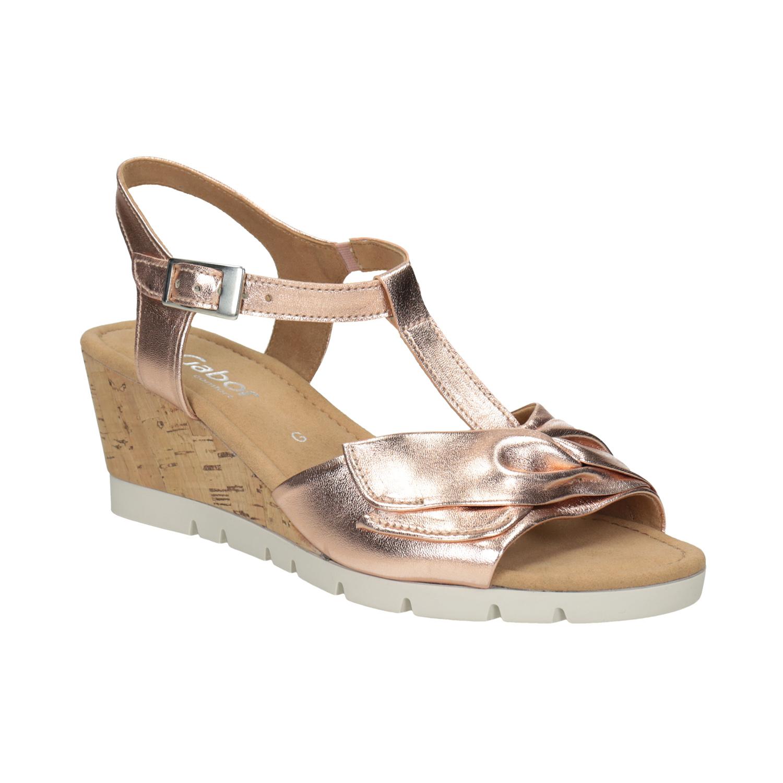 Kožené zlaté sandály na klínku šíře G