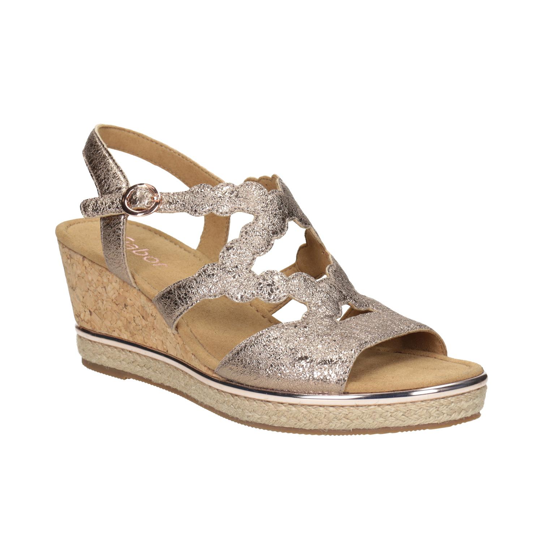 Kožené zlaté sandály na platformě