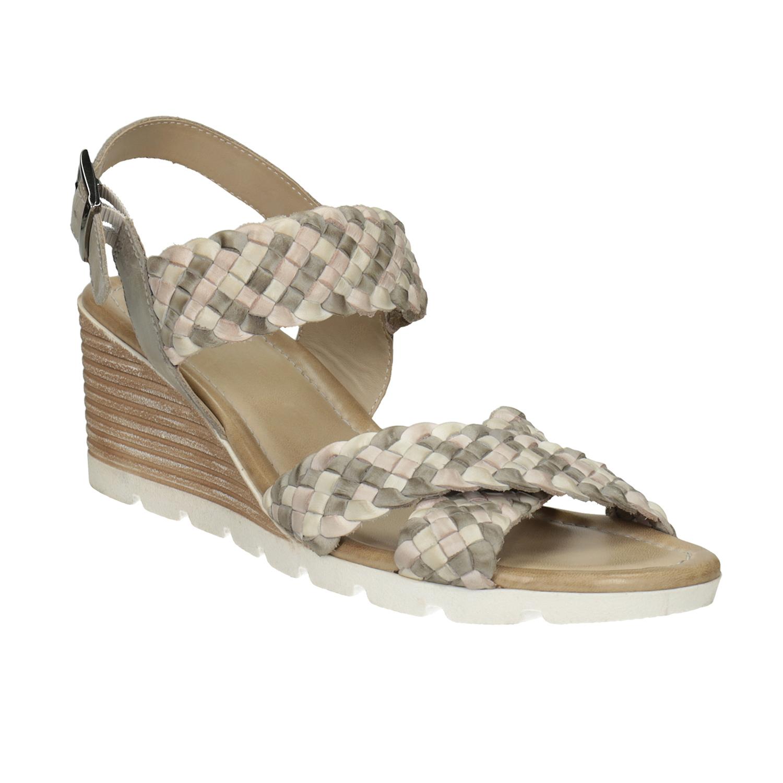 Kožené pletené sandále na kline béžové
