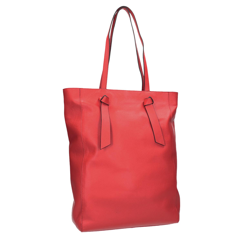 Červená kožená kabelka ve stylu shopping bag