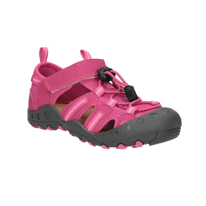 Růžové sandály s výraznou podešví