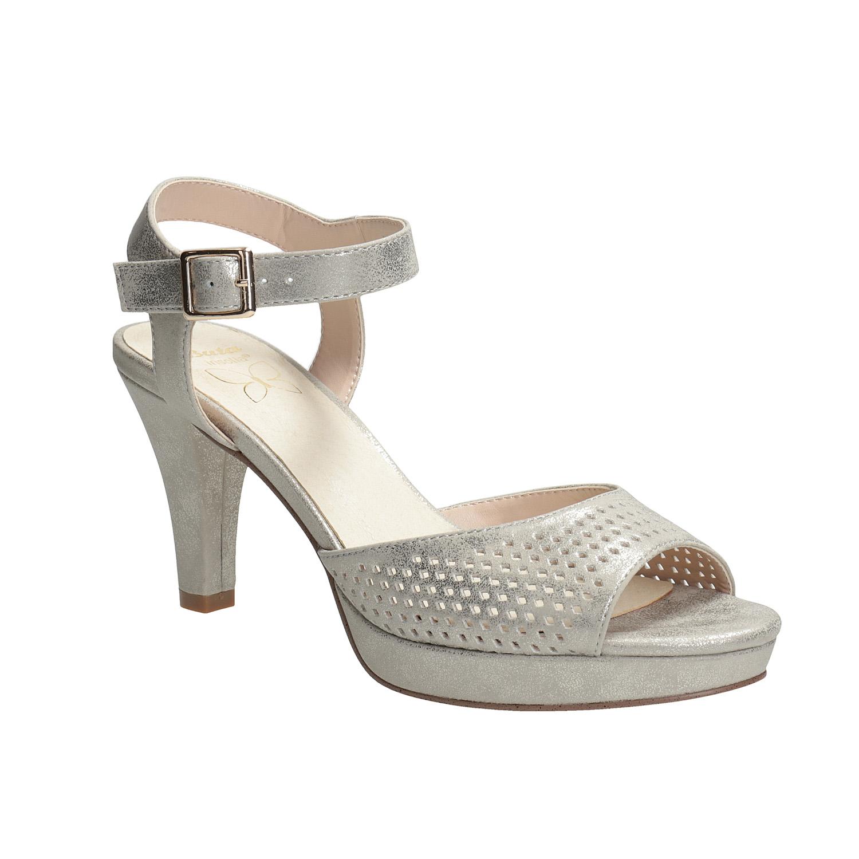 Stříbrné dámské sandály na podpatku s perforací
